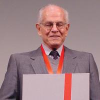 DR. EFRAÍN GONZÁLEZ LUNA MORFÍN